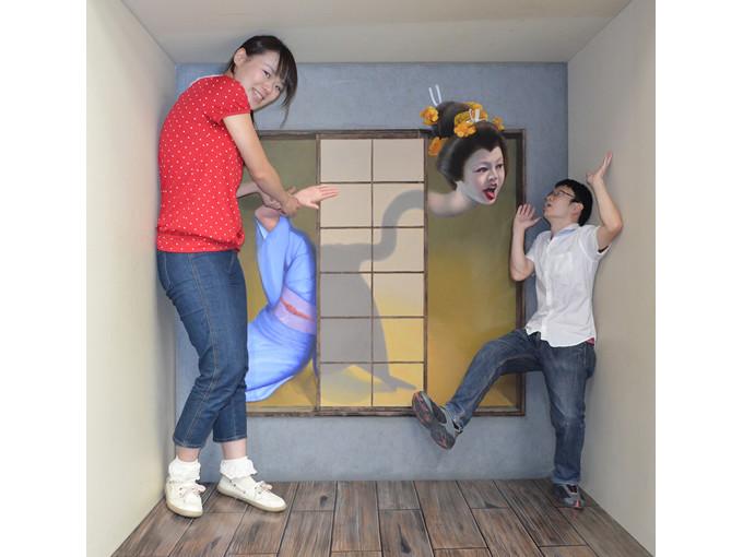 展示作品一例「エイムズの部屋(ろくろ首)」