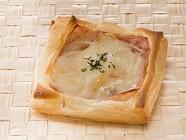 「箱根小涌園 スイーツ&ベーカリー」デニッシュ ハム&チーズ