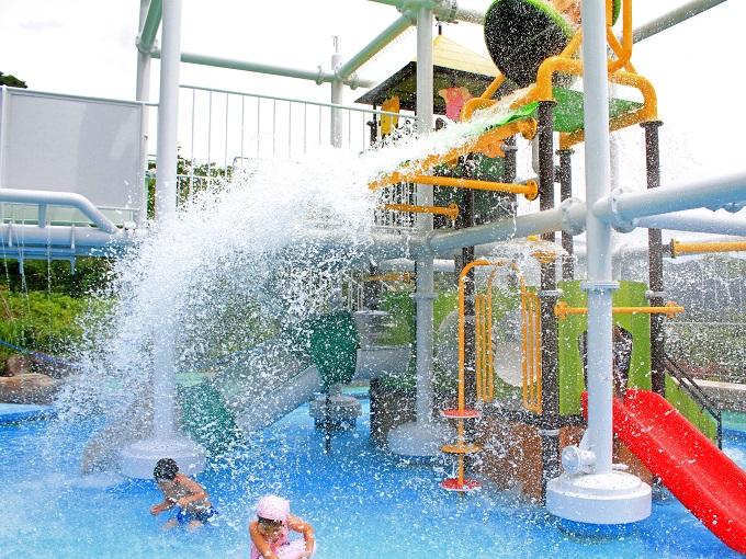 水着で遊ぶ温泉「ユネッサン」 ボザッピィのジャングルジム