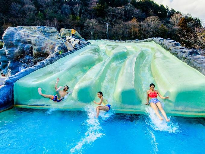 水着で遊ぶ温泉「ユネッサン」 ロデオマウンテン(スライダー)