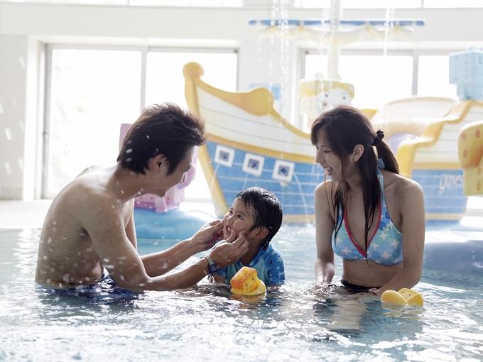 水着で遊ぶ箱根の温泉「ユネッサン」 ボザッピィの湯ゥ遊広場