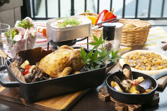 丸鶏のオーブン焼き 牛肉と野菜のブロシェットコース