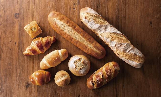 焼きたてパンを各種ご用意しています