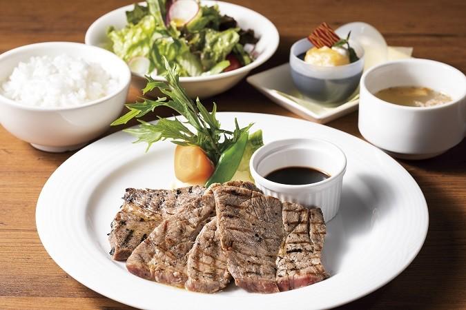 ステーキセット 2,420円(税込)